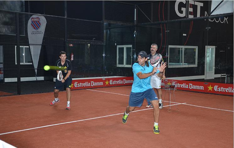Juan Cruz Belluati y Juani Mieres, en un entrenamiento en GET Indoor Pádel