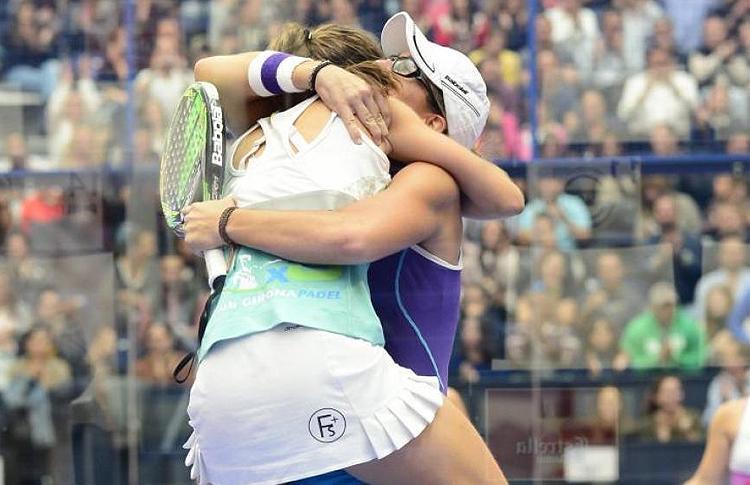 Marta Ortega y Lucía Sainz celebran su clasificación para la final del Estrella Damm Valencia Open