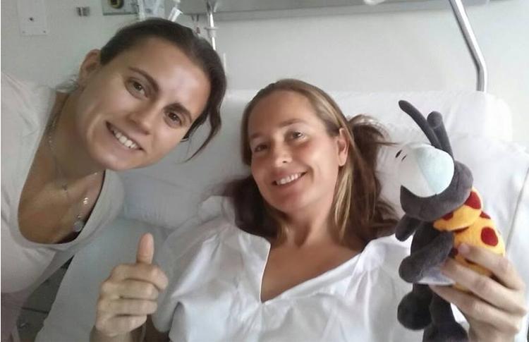 Carolina Navarro, operada con éxito de su apendicitis