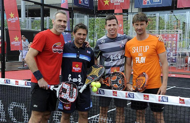 Álex Corretja et Juan Carlos Ferrero partagent la piste avec Paquito Navarro et Matías Díaz