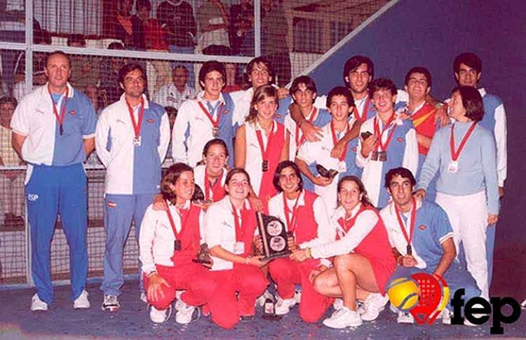 Foto histórica de la Selección Española de Menores