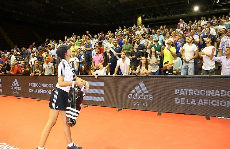 La afición, protagonista en el Estrella Damm Sevilla Open gracias a Adidas