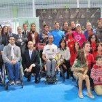 A Fundación Mapfre e a Fundação Sánchez Vicario, juntamente com a Infanta Elena, participam da inauguração do III Curso Padel para pessoas com deficiência intelectual.