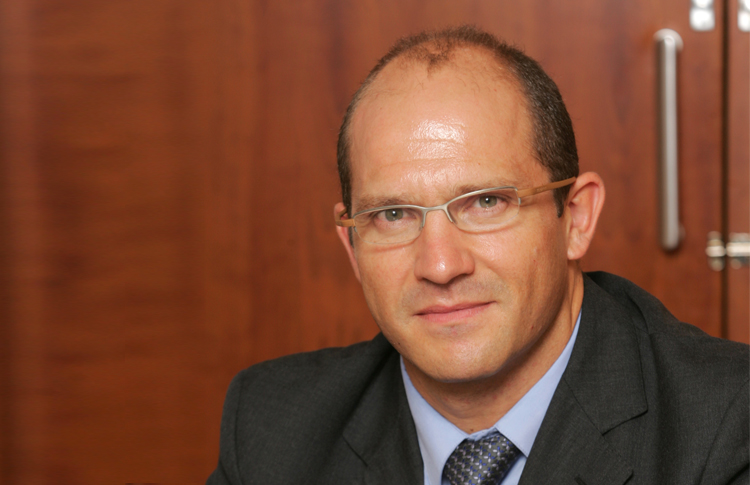 Julián Álvarez, un nuovo esperto per il team Padel World Press