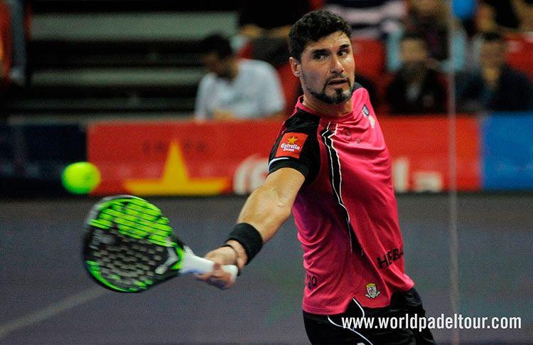 Agustín Gómez Silingo, en acción en un torneo del Circuito World Pádel Tour