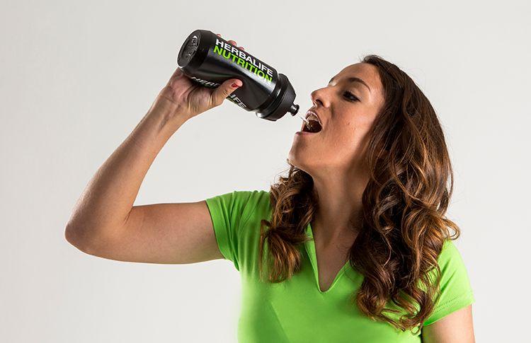 ¿Por qué es tan importante la hidratación en el pádel?