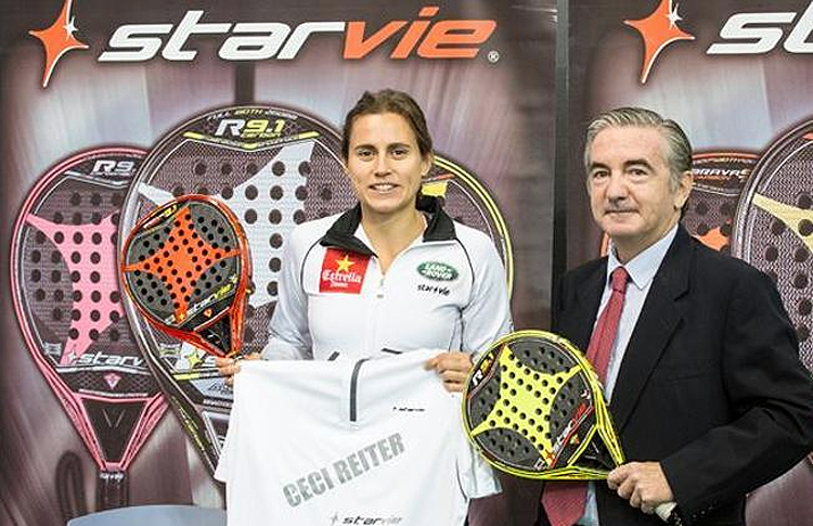 Jorge Gómez de la Vega, Director General de StarVie, en la renovación del contrato de Cecilia Reiter