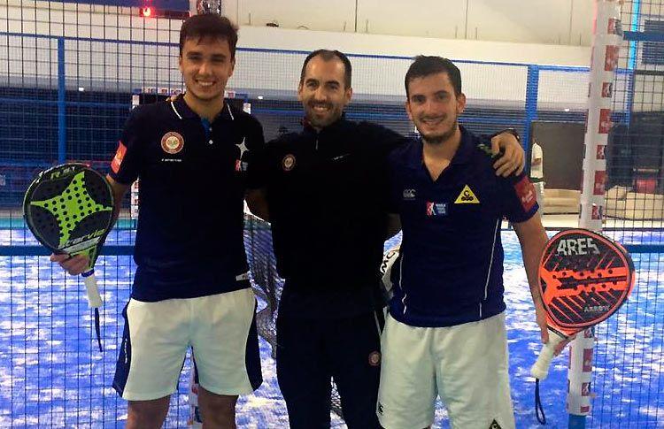 Juan Cruz Belluati y Ale Galán junto al preparador físico Álvaro Rosa