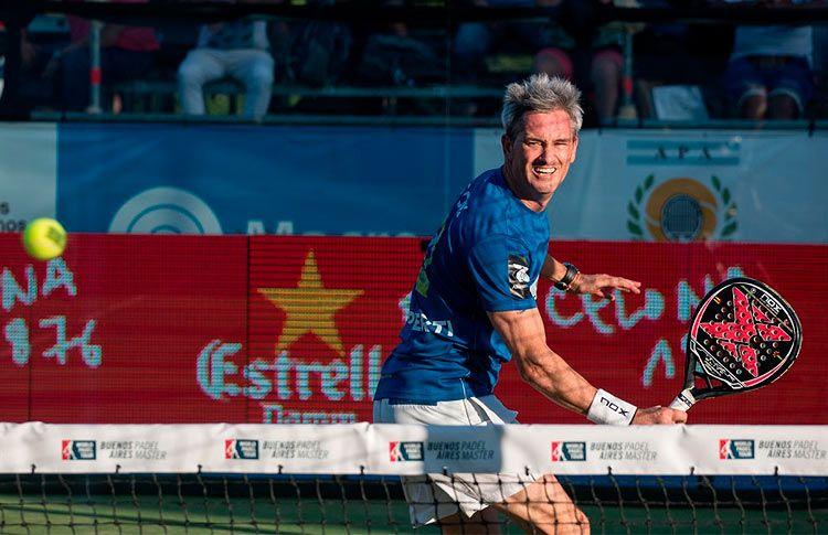 Miguel Lamperti, en acción en el Buenos Aires Pádel Máster