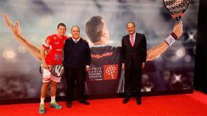 Presentación de Paquito Navarro como nuevo jugador de Bullpadel