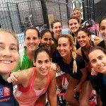 Foto del equipo femenino del del MCI Sports-Arena Entrena Pádel