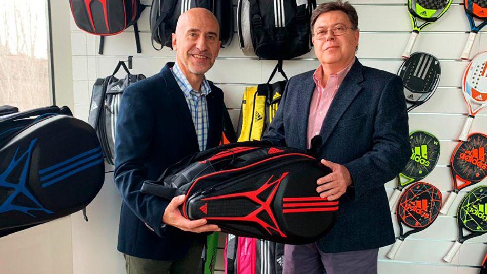 Mario Hernando y José luis Sicre durante la firma del acuerdo entre Adidas Padel y World Padel Tour.