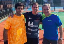 Carlos Sainz et Carlos Sainz Jr, avec Paquito Navarro.